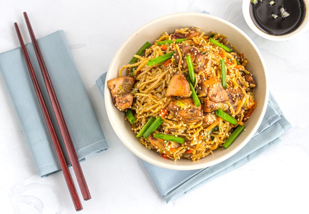 Stir-Fried Noodles with Chicken and Vegetables