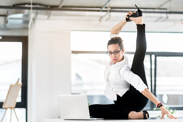 Hamstring Stretches to Do at the Desk at Work