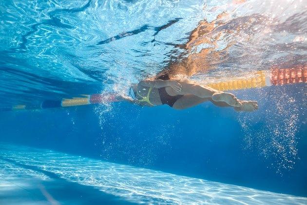 Swimmer in sidestroke style underwater