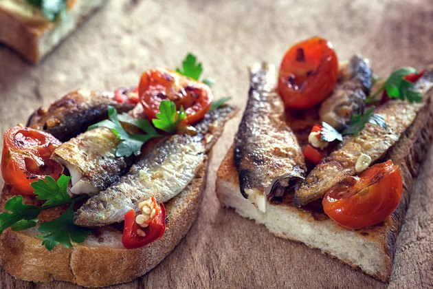 Sandwich with smoked fish