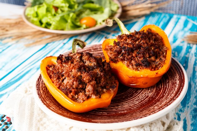 Baked pepper stuffed meat