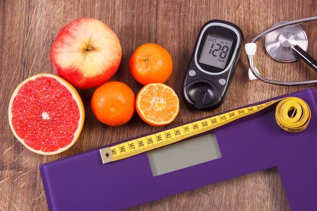 电子天平秤和血糖仪,听诊器和健康食品raybet投注