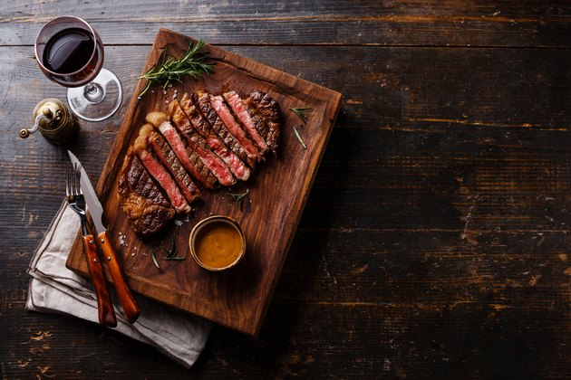 Grilled sliced Steak Rib eye with Pepper sauce