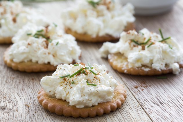 Salticrax with a cottage cheese topping