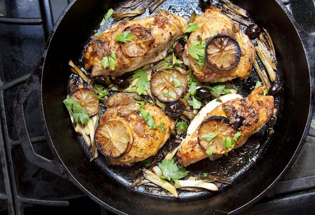 A paleo diet-friendly meal of roasted chicken with lemon and herbs