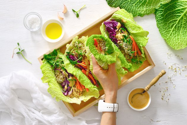 Vegan detox spring rolls with quinoa, sprouts and Thai peanut sauce for low-carb substitutes