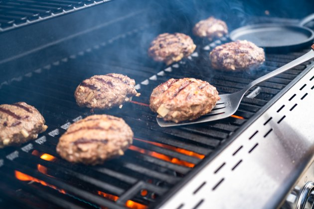 how to grill burgers cooking hamburger beef patties on a gas grill.