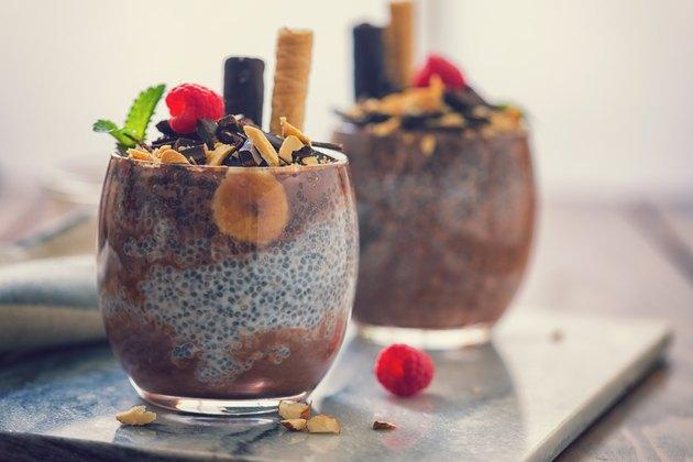 No-Cook Healthy Vegan Dark Chocolate Chia Pudding