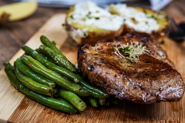 Neck steak and green beans