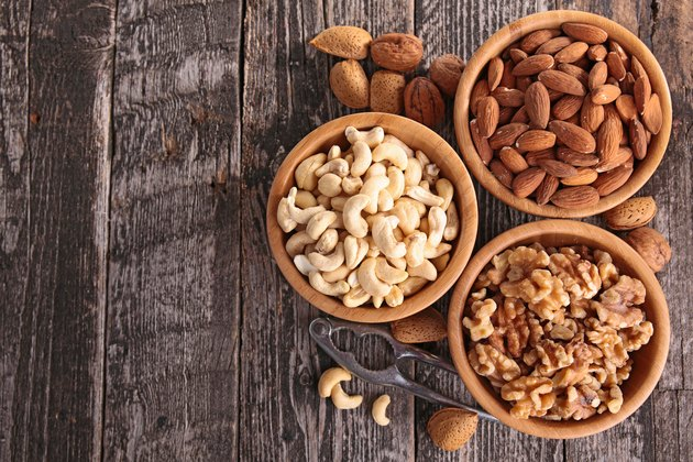 Cashews vs. Almonds