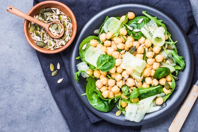 Green salad with chickpea.