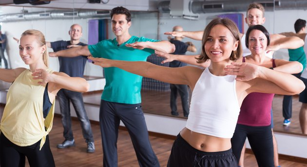 How to Lose Stomach Fat With Zumba