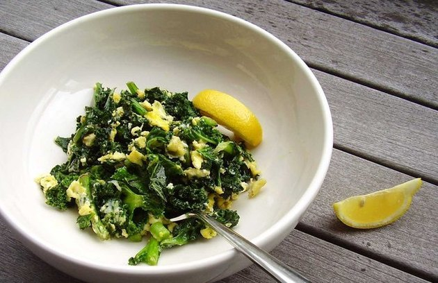 Kale Scramble Breakfast Bowl