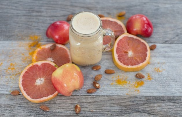 Grapefruit, Ginger and Turmeric Smoothie