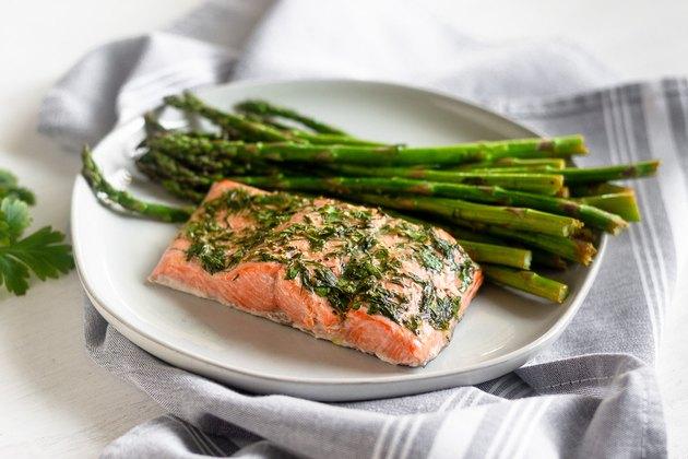 Air Fryer Salmon & Asparagus low carb air fryer recipes