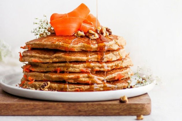 Healthy Carrot Cake Pancakes applesauce breakfast recipes