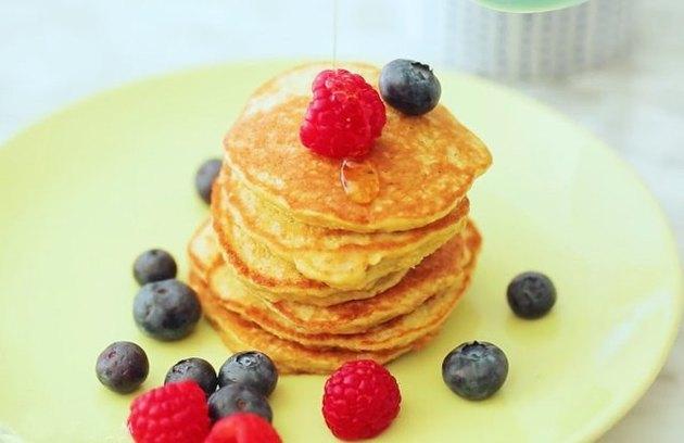4-Ingredient Banana Pancakes