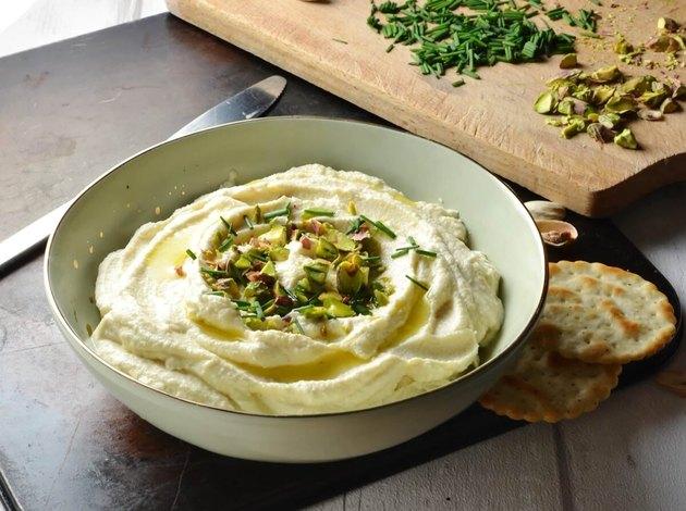 Creamy Roasted Cauliflower Dip With Garlic