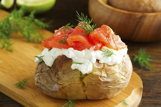 potato with cream of the cream cheese and salted salmon