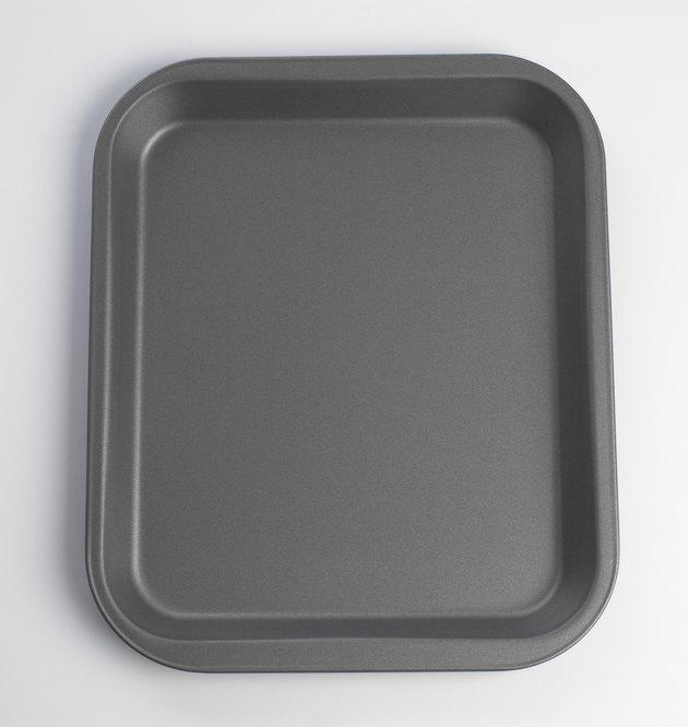 Rectangular baking tray