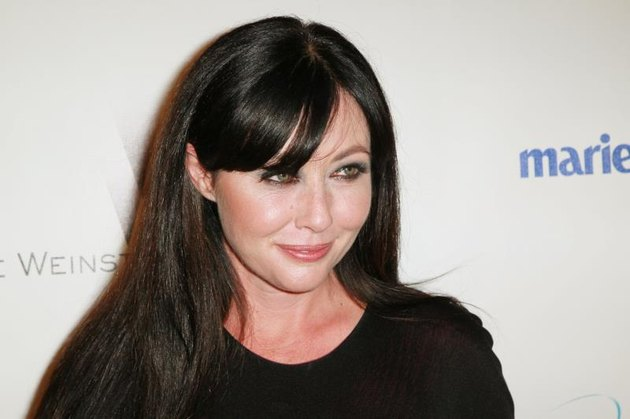 BEVERLY HILLS, CA - JANUARY 16: Actress Shannen Doherty arrives at The Weinstein Company And Relativity Media's 2011 Golden Globe Awards Party held at The Beverly Hilton hotel on January 16, 2011 in Beverly Hills, California.  (Photo by David Livingston/Getty Images)