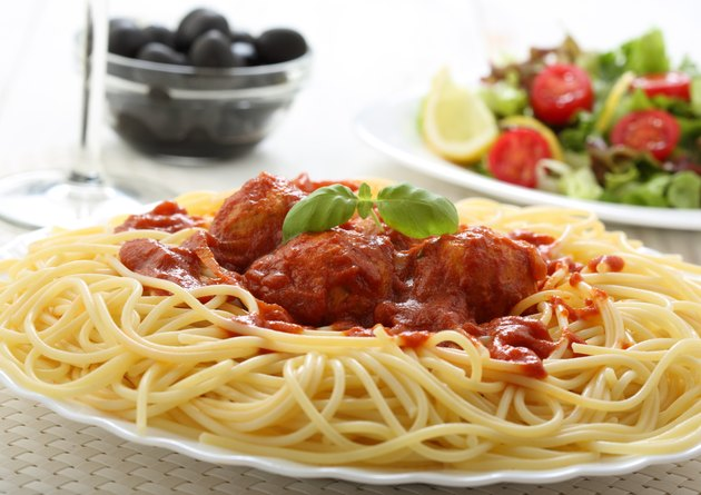 chicken meat balls with spaghetti bolognese sauce