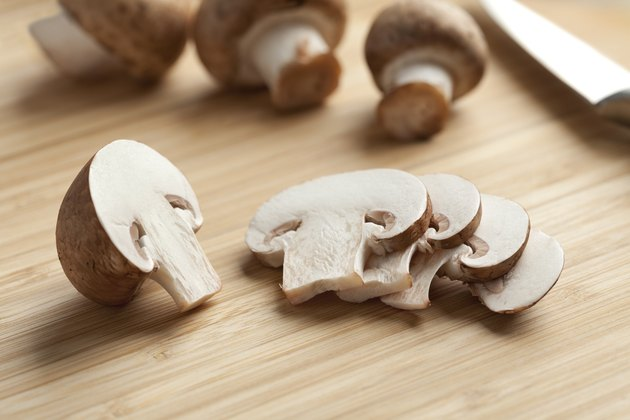 Fresh chestnut mushrooms slices