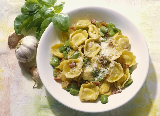 Tortellini with white beans and bacon (Italy)