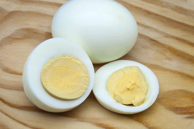 egg on a wood