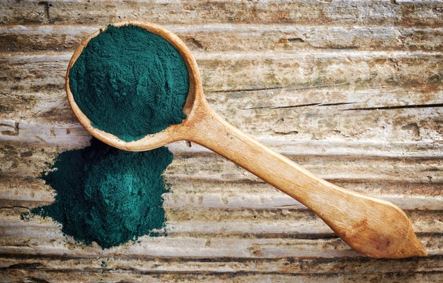 spoon of spirulina algae powder