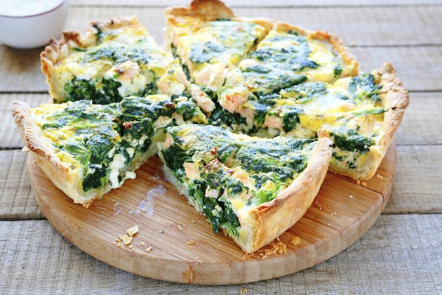 Round PIE with spinach and fish