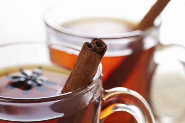 Tea with cinnamon e