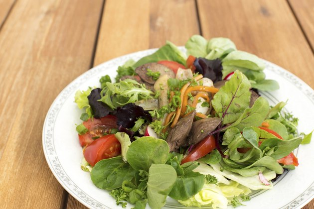 Fresh salad with liver
