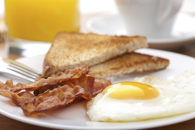 egg and bacon with toast