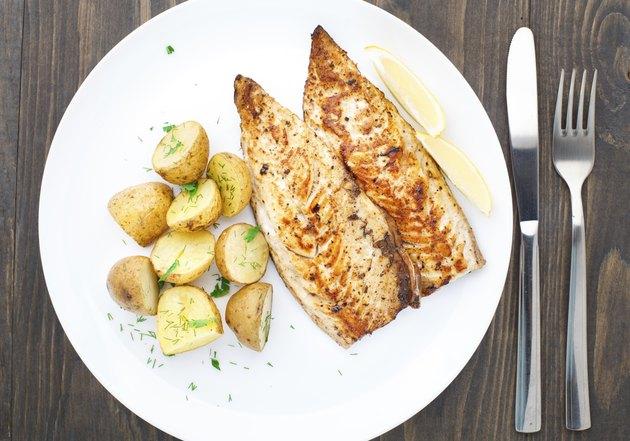 Fried mackerel with baked potato
