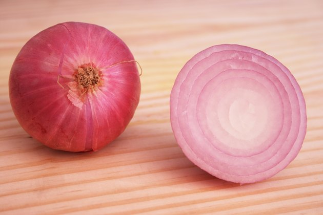 An Onion and onion slice