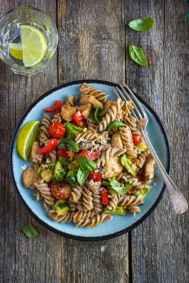 Whole wheat pasta  with chicken and vegetables