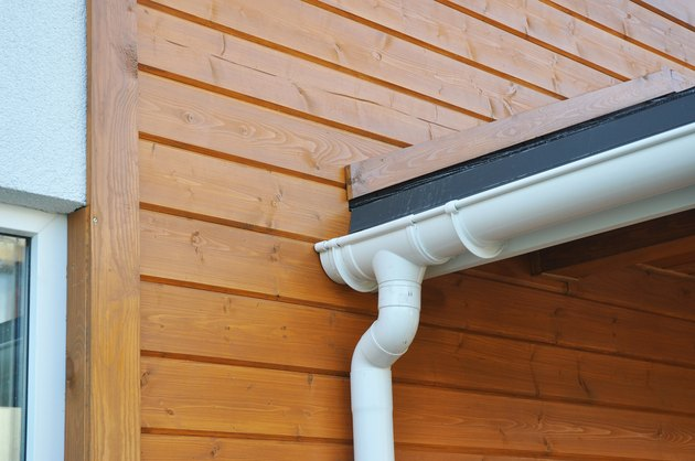 Problem areas for rain gutter waterproofing