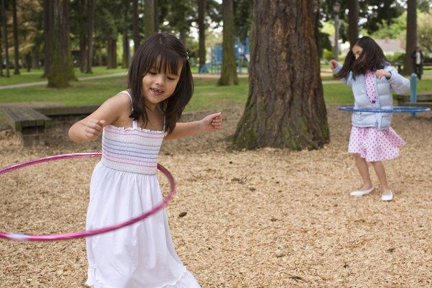 girls hula hooping