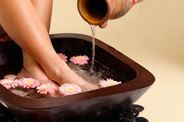 Soothing foot soak