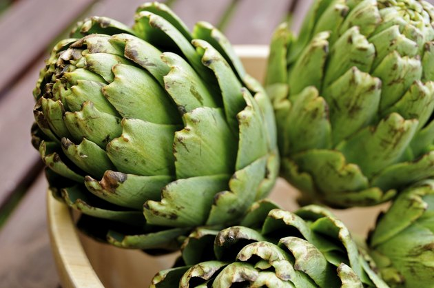 Artichokes in a bowl