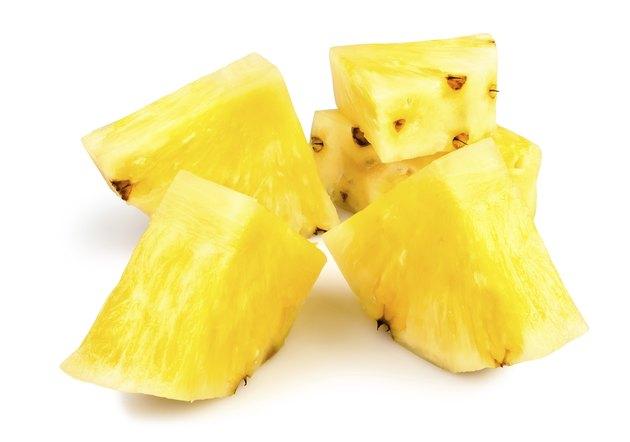 pineapple peeled chunks