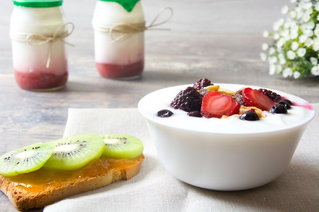 Natural yogurt with fresh berries