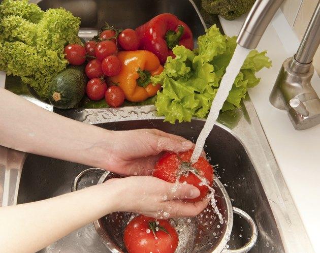 Splashing vegatables