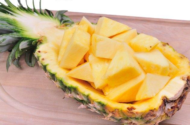 pineapple display