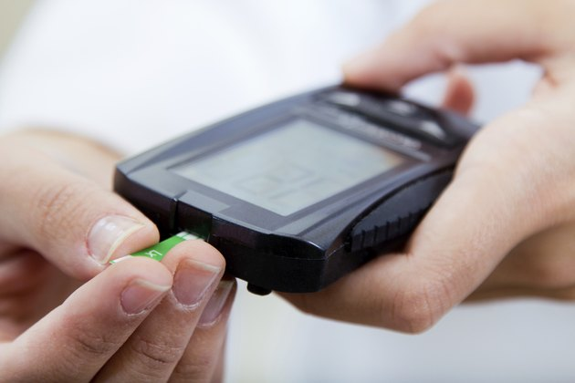 diabete-control test blood sugar with glaucometer