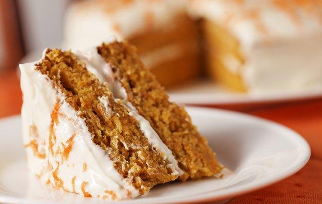 carrot cake horizontal