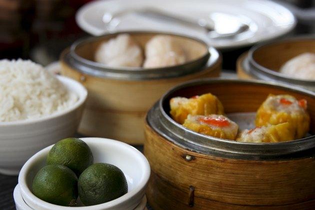 pork siomai prawn dumplings calamansi