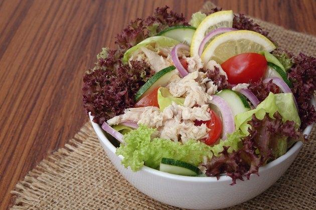 Fresh vegetable salad with tuna