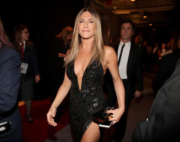 HOLLYWOOD, CA - FEBRUARY 26: Actor Jennifer Aniston poses backstage during the 89th Annual Academy Awards at Hollywood & Highland Center on February 26, 2017, in Hollywood, California. (Photo by Christopher Polk/Getty Images)